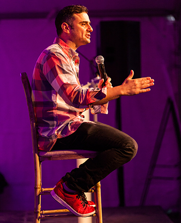 Gary Vaynerchuk speaking at DIG SOUTH